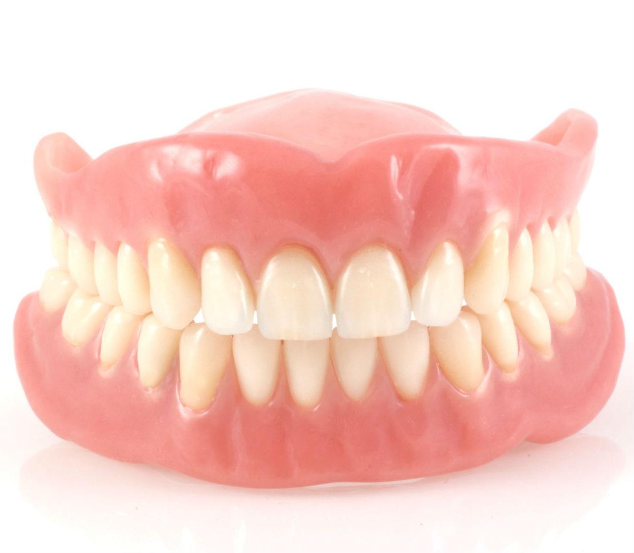 какое отбеливание зубов лучше zoom или лазерное